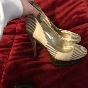 Jessica Simpson heels 9